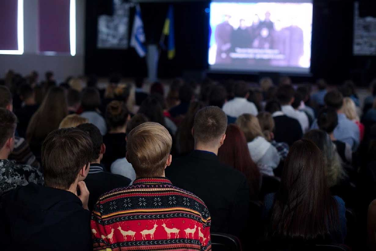 2016-11-17_trans-history_student-film-competition