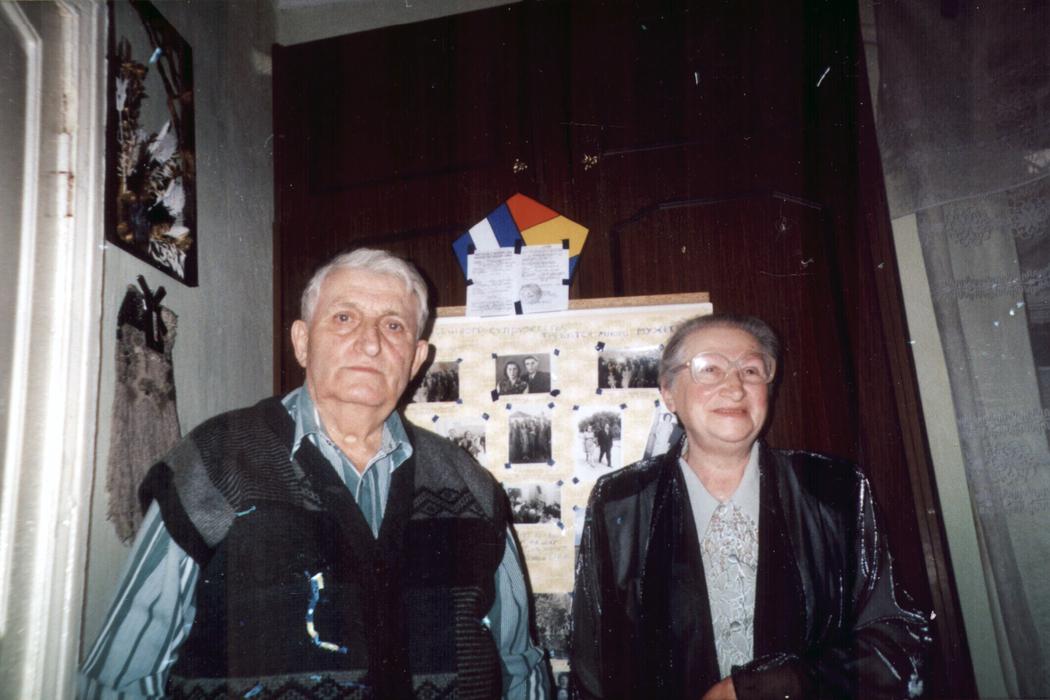Sarra Shpitalnik and her husband Moisey Shpitalnik (Kishinev, Moldova in 2001)