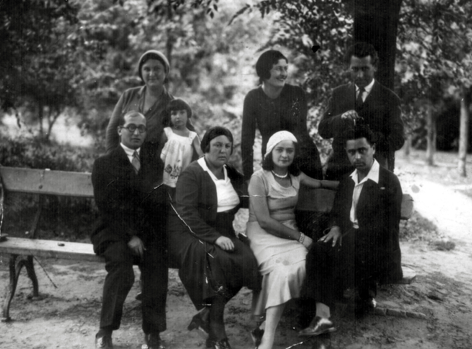 Sarra Shpitalnik with her parents and their friends (1930)
